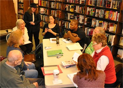 Pros and Cons of #Writers' Critique Groups (2/4)